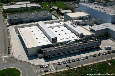 Luftbild / Helikopter Nestlé Dolce Gusto Werk Girona / Spanien