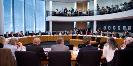 Kommission Lagerung hoch radioaktiver Abfallstoffe Bundestag während der Sitzung im Gebäude des Bundestages Berlin