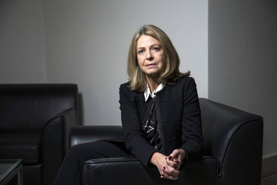 Frau Anja Mikus - Fonds-Verwalterin - Bravo - 0 Punkte - und schon mal 70 Mio. EUR verballert