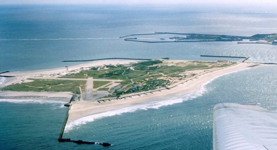 Flughafen Insel bei Helgoland zum Teil befestigt - Existent