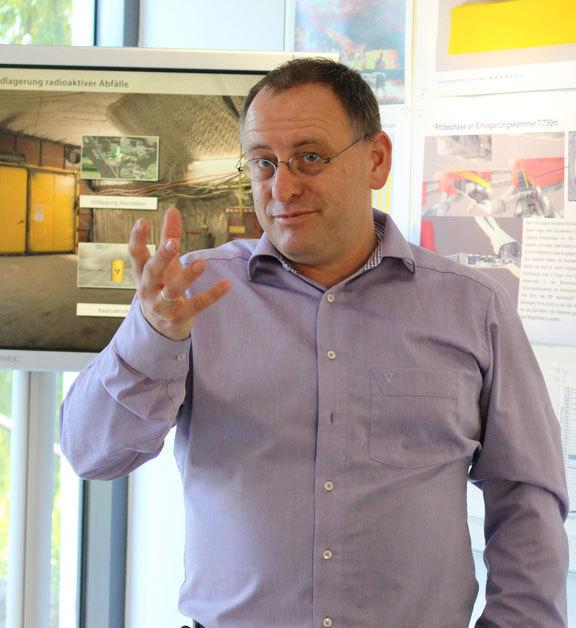 Ingo Bautz - BASE - der hat einen Knopf offen - hat schon Asse Lüxxx verbreitet