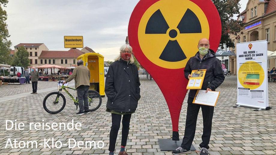 Die Atom-Klo Demonstranten