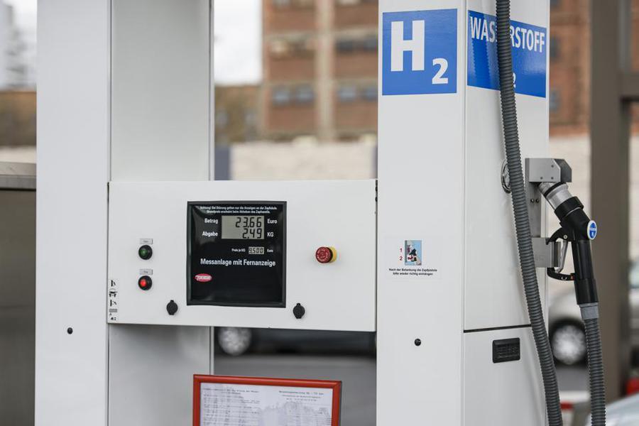 Wasserstoff für Nacht-Strom Speicherung und zum tanken von Fahrzeugen
