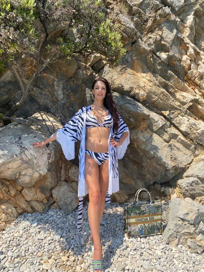 Iana Lutska - Miss Ucraine has send a photo - beautiful from top to toe - with geology